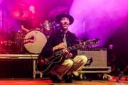 Pokey LaFarge -voz y guitarra- y Matthew Meyer -batería- de Pokey LaFarge (Kafe Antzokia, Bilbao, 2018)