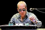 Chris Cacavas, teclista colaborador de The Dream Syndicate (Azkena Rock Festival, Vitoria-Gasteiz, 2018)