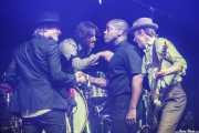 Nalle Colt -guitarra-, Ty Taylor -cantante-, Rick Barrio Dill -bajo- y Richard Danielson -batería- de Vintage Trouble (Mundaka Festival, Mundaka, 2018)