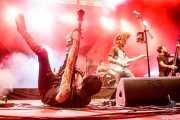 Joel Bruña -banjo-, Matt Horan -voz y guitarra-, Guillermo Peña -batería- y Adrián López -contrabajo y ukelele bass- de Dead Bronco (Aste Nagusia - Plaza Nueva, Bilbao, 2018)