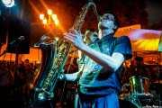 Willy Calambres -saxo- y  Micky Paiano -voz- de  Micky & The Buzz (Aste Nagusia - Txosna Piztiak, Bilbao, 2018)