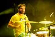 Roberto Villar, baterista de Yellow Big Machine (Kafe Antzokia, Bilbao, 2018)