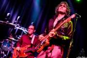 """David Marín -batería-, Kike Lafuente """"Penike"""" -bajo- y Iñigo Azazeta """"Anti"""" -guitarra- de Sumisión City Blues (Rock&Rolla, Berango, 2018)"""