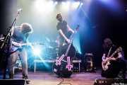 Matt Horan -voz y guitarra-, Guillermo Peña -batería-, Adrián López -contrabajo y ukelele bass- y Adán Ruiz -guitarra y mandolina- de Dead Bronco (Kafe Antzokia, Bilbao, 2019)