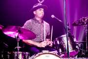 Vicente Rodriguez, baterista de Chuck Prophet & Charlie Sexton And The East River Truckers (Kafe Antzokia, Bilbao, 2019)