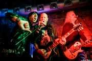 Cheetah Chrome -voz y guitarra- y Xabi Garre -guitarra- de Cheetah Chrome & Señor No y  Pela -voz invitado- (Kafe Antzokia, Bilbao, 2019)