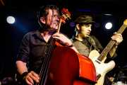 Ivan Kovacevic -contrabajo- y Dani Baraldés -guitarra- de Los Mambo Jambo (Kafe Antzokia, Bilbao, 2019)