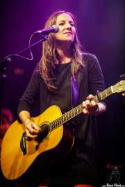 Leire Heras-Gröh, cantante y guitarrista de Rosebud (Kafe Antzokia, Bilbao, 2019)