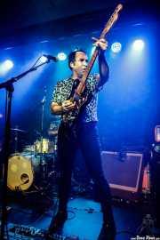 Joseba Irazoki, cantante y guitarrista de Joseba Irazoki eta lagunak (Kafe Antzokia, Bilbao, 2019)