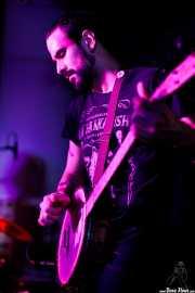 """Guillermo Santibáñez """"Will"""", guitarrista, banjista y cantante de Mud Candies (Nave 9 (Museo marítimo), Bilbao, 2019)"""