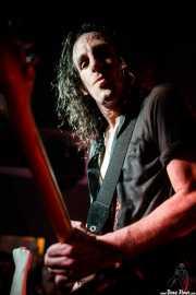 Joseba B. Lenoir, guitarrista de Sumisión City Blues (Mendigo, Barakaldo, 2019)