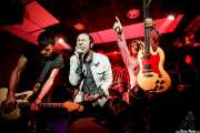 Luiyi Costa -guitarra-, Kurt Baker -voz, Joseba Arza -batería-, Juan Irazu -guitarra- y Gonzalo Ibáñez -bajo- de Bullet Proof Lovers