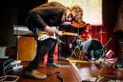 Buddy Fuzz -guitarra- y Peter Chopsticks -batería- de Sloks (Hika Ateneo, Bilbao, 2019)