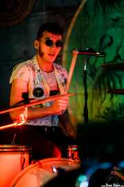 BX Scaner, baterista y cantante de The Scaners (Nave 9 (Museo marítimo), Bilbao, 2019)