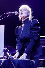 Fany Álvarez, cantante y percusionista de Elle Belga (Kafe Antzokia, Bilbao, 2019)