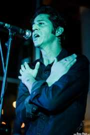 Hervé Peroncini, cantante y guitarrista de The Peawees (Nave 9 (Museo marítimo), Bilbao, 2019)