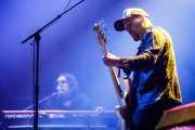 Damon Fox -teclados- y Grant Fitzpatrick -bajo- de The Cult (Azkena Rock Festival, Vitoria-Gasteiz, 2019)