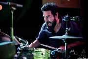 David Martínez, baterista de Santi Campos & Herederos (Kafe Antzokia, Bilbao, 2019)