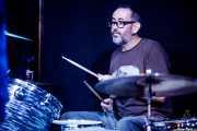 Mikel Abrego Txopeitia, baterista de Thalia Zedek & Anari (Kafe Antzokia, Bilbao, 2019)