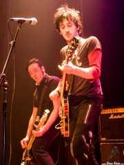 Juan -bajo- y Guantxe -voz y guitarra- de Rainy City Kids (Bilborock, Bilbao, 2004)