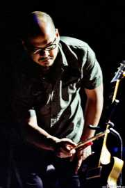 Joey Santiago, guitarrista de Pixies (FestiMad, Móstoles, )
