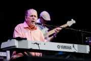Brian Wilson -voz y teclado- y Bob Lizik -bajo-
