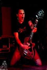 Imanol G. Alcón, guitarrista y cantante de Señor No (Discoteca Gwendolyne, Getxo, )