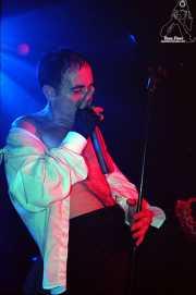 Francis Díez, cantante y guitarrista de Doctor Deseo (Kafe Antzokia, Bilbao, )