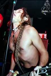 Juan Holmes, cantante y guitarrista de Discípulos de Dionisos