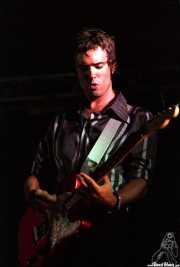 Sergio Llanos, guitarrista de Atom Rhumba (, , )