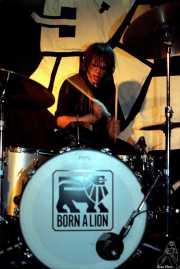 Damon Richardson, baterista de Danko Jones (Sala Azkena, Bilbao, 2002)