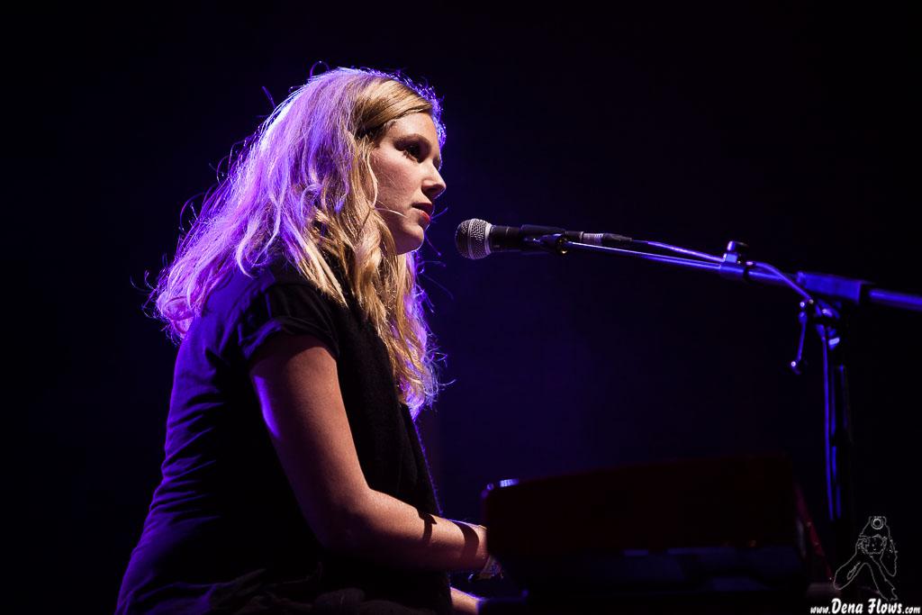 Megan Bonnell. Fotos por Dena Flows