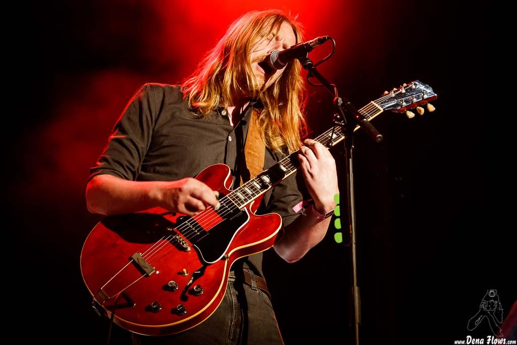 Joakim Nilsson, cantante y guitarrista de Graveyard (Azkena Rock Festival 2017, 23/VI/2017)