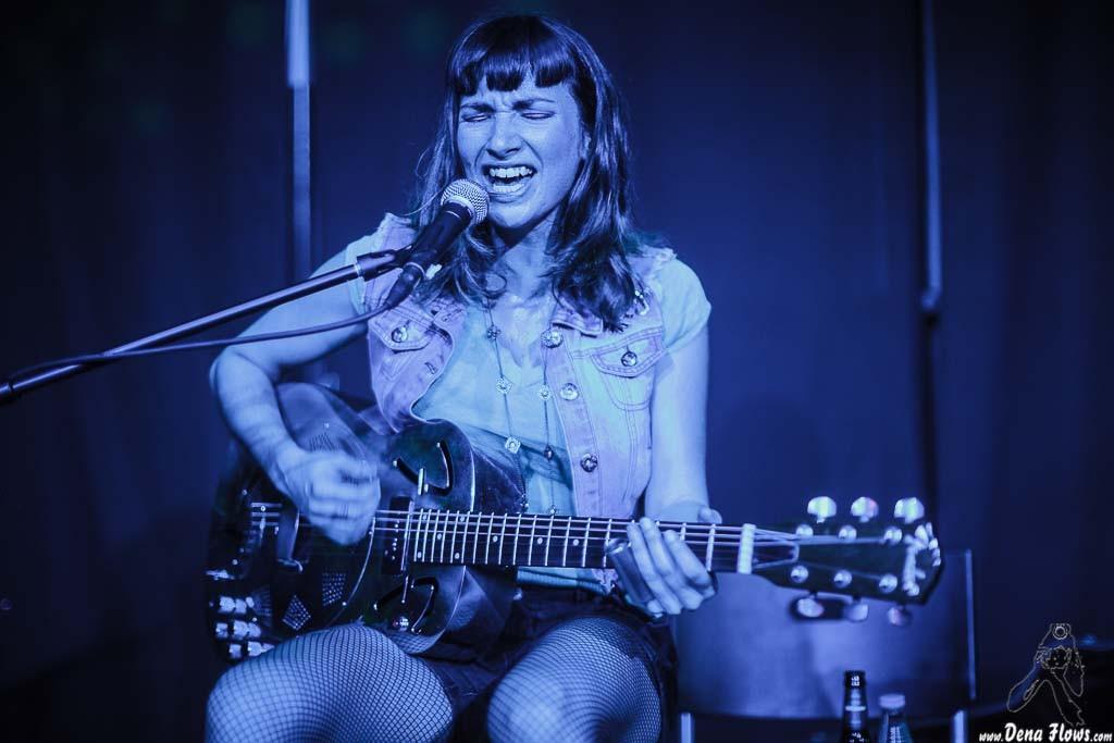 Molly Gene (One Whoaman Band), Kafe Antzokia (Kutxa beltza), Bilbao, 10/IV/2015