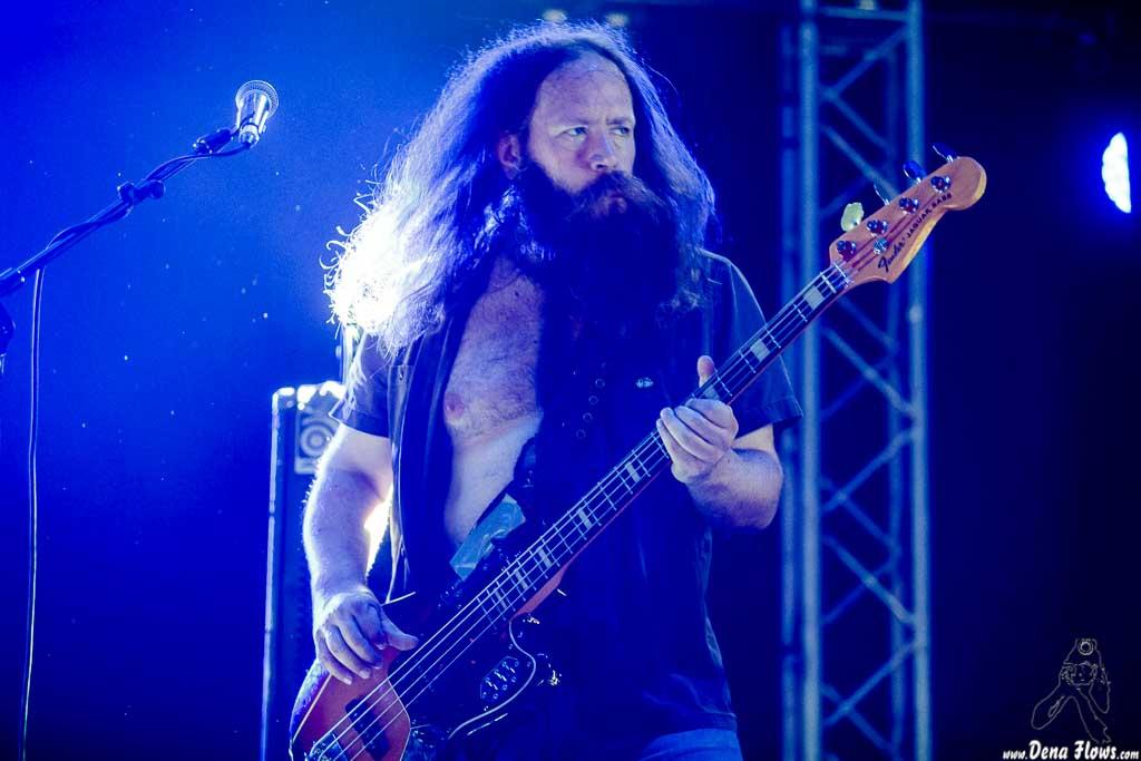 Martin Karlsson, bajista de Hellsingland Underground (Azkena Rock Festival 2017, 23/VI/2017)