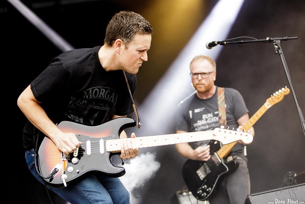 Iñaki Elortza -guitarrra- y Iokin Elortza -voz y guitarra- de Seiurte (Mundaka Festival, Mundaka, 2017)