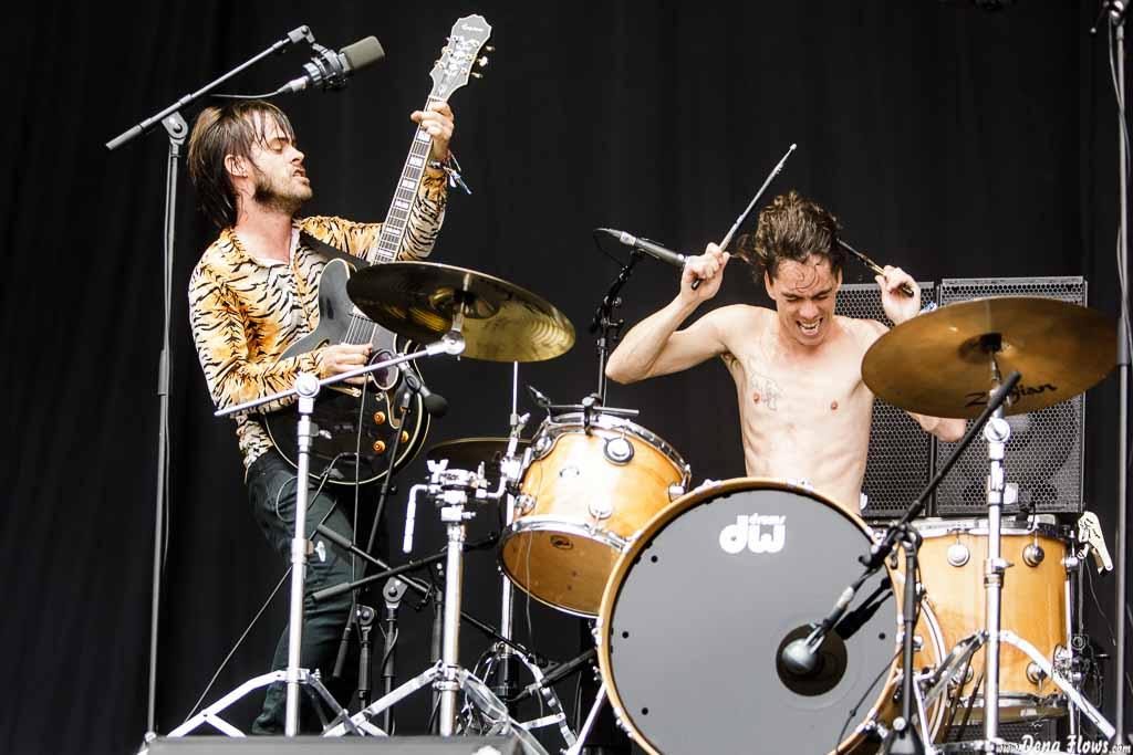 Guillermo Sinnerman -voz y guitarra- y Borja Téllez -voz y batería- de Los Bengala, Bilbao BBK Live 2017, Kobetamendi, Bilbao, 8/VII/2017