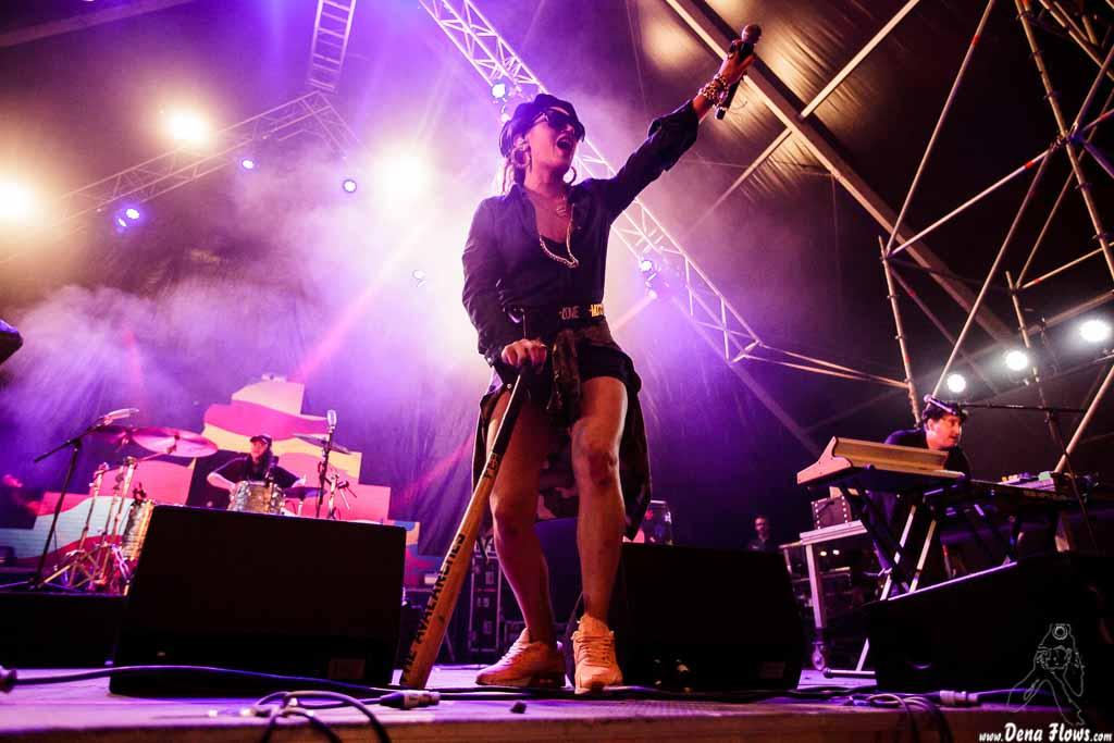 Eliza Wolfgramm -voz en gira- y Tony Di Blasi -teclista- de The Avalanches