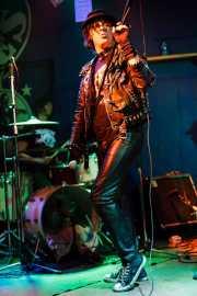 Billy Hopeless -voz- y Rob Zgaljic -batería- de The Black Halos (Freakland Festival, Ponferrada, 2006)