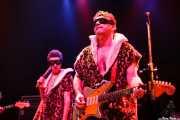Johnny Rabb -voz- y Eddie Angel -guitarra- de The Neanderthals (Kafe Antzokia, Bilbao, 2006)