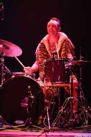 Jason Smay, baterista de The Neanderthals (Kafe Antzokia, Bilbao, 2006)