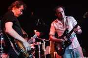 Fino Oyonarte -bajista-y Josele Santiago -guitarrista y cantante- de Los Enemigos, Sala Albéniz, 2006