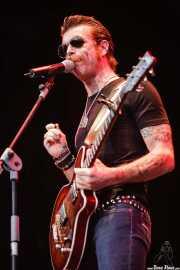 Jesse Hughes, cantante y guitarrista de The Eagles of Death Metal, Azkena Rock Festival, Vitoria-Gasteiz. 2006