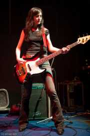 Maribel Ortiz, bajista de Paniks (Hell Dorado, Vitoria-Gasteiz, 2006)