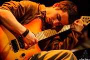 Ferran Palau, guitarrista, cantante,teclista y samplers de Anímic (Bilborock, Bilbao, 2007)