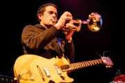 Jon Manzisidor, guitarrista, cantante, multiinstrumentista de Gora Japón, Bilborock, Bilbao. 2007