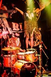 Jason Smay -batería- y Johnny Rabb -cantante- de The Neanderthals (Freakland Festival, Ponferrada, 2007)