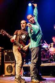 Mikel Txurruka -guitarrista-, Iñigo Goikoetxea -cantante- y Martxelo Mendizabal -baterista- de Aterkings , Kafe Antzokia. 2007