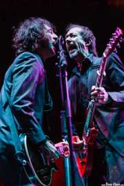 Igor Paskual -guitarra- y Jaime Stinus -guitarra- de Loquillo y los Trogloditas, Bilbao Exhibition Centre (BEC), Barakaldo. 2007