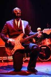 Eddie Angel, guitarrista de Los Straitjackets & Kaiser George & The Pontani Sisters, Kafe Antzokia, Bilbao. 2007